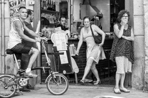 Guanyadora - En la puerta de un Bar pasan muchas cosas - Javier Martos