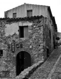 13 Refugios de piedra - Adrian Urbez